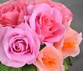 L'arte dei fiori di carta crespa